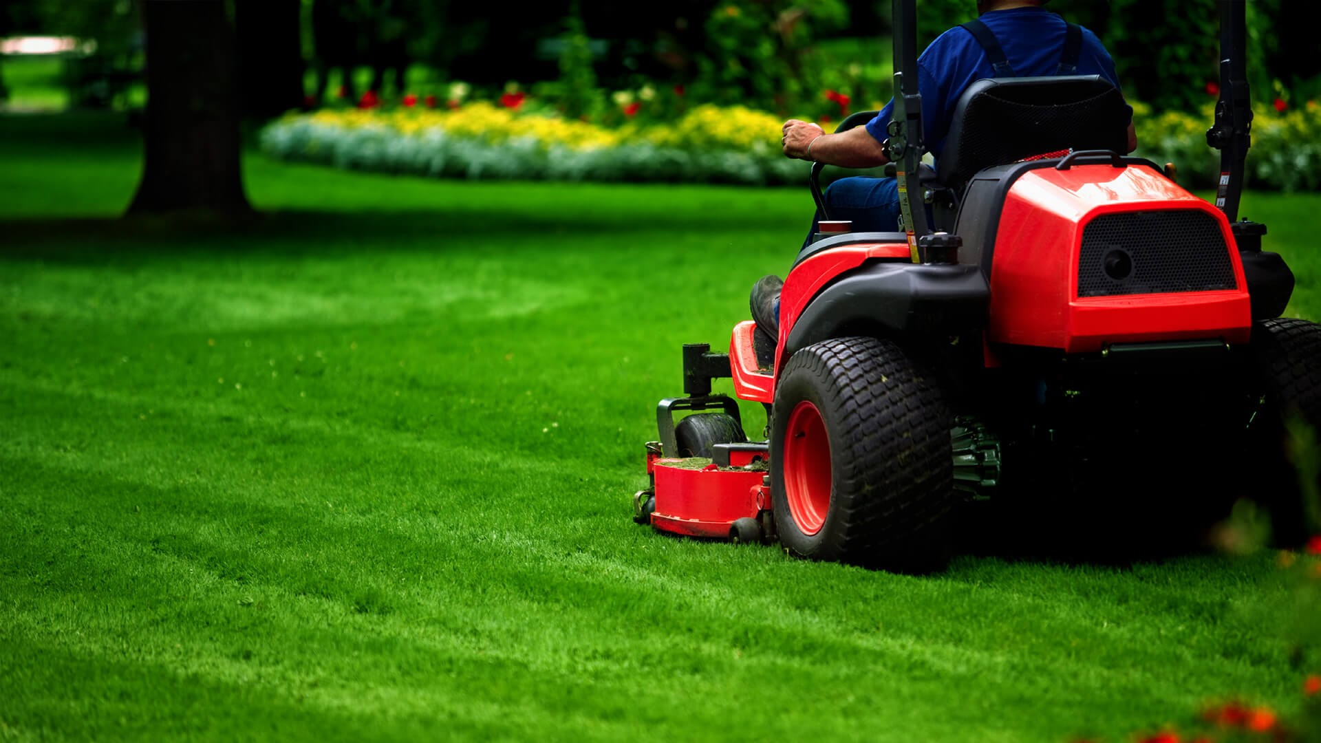 lawn care business names - lawnmower
